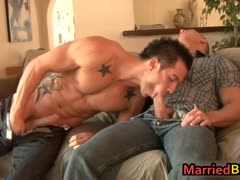 married-man-intimidated-by-his-first-gay-part1