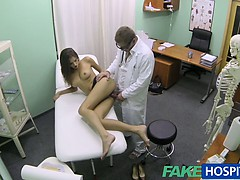 fakehospital-hot-girl-with-big-tits-gets-doctors-treatment