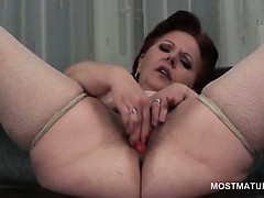 close-up-with-mature-hairy-snatch-masturbates-with-toys