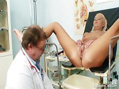 klara-big-tits-and-pussy-gyno-speculum-clinic-exam
