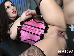 harmonyvision-paige-turnah-knows-how-to-handle-two-cocks-at