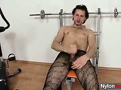 huge-hammer-twink-in-tights