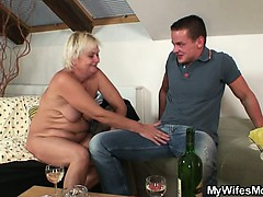 She drills her BF's old mom pussy