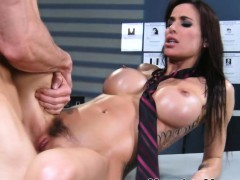 gia-dimarco-fucking-and-sucks-at-massage