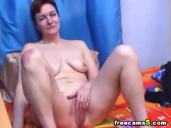 busty-milf-masturbating-webcam