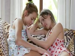 two-russian-girls-eating-pussies