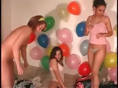 truth-or-dare-with-naked-girls-making-out