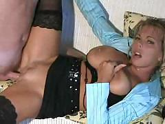Hot Busty Blonde Cougar Amber Lynn