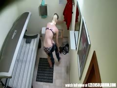 pierced-pussy-snooped-in-tanning-bed